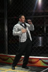 Ringmaster Richard Curtis
